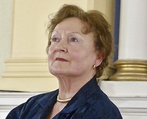 Zuzana MacKnight
