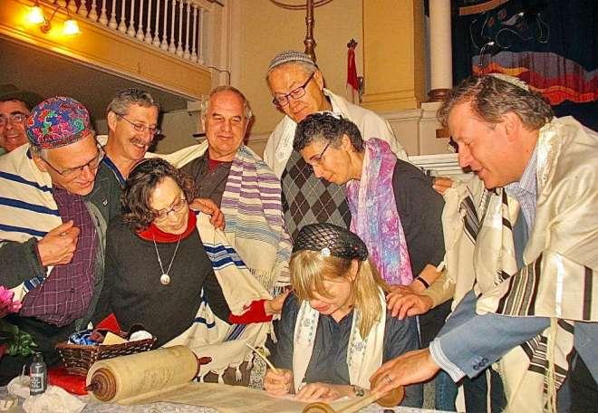 PT Torah photo 1000